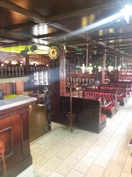 Scotland Yard Pub and Restaurant in Tallinn