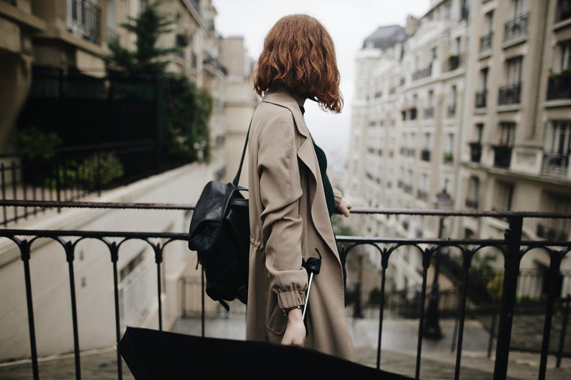 solo travelling women